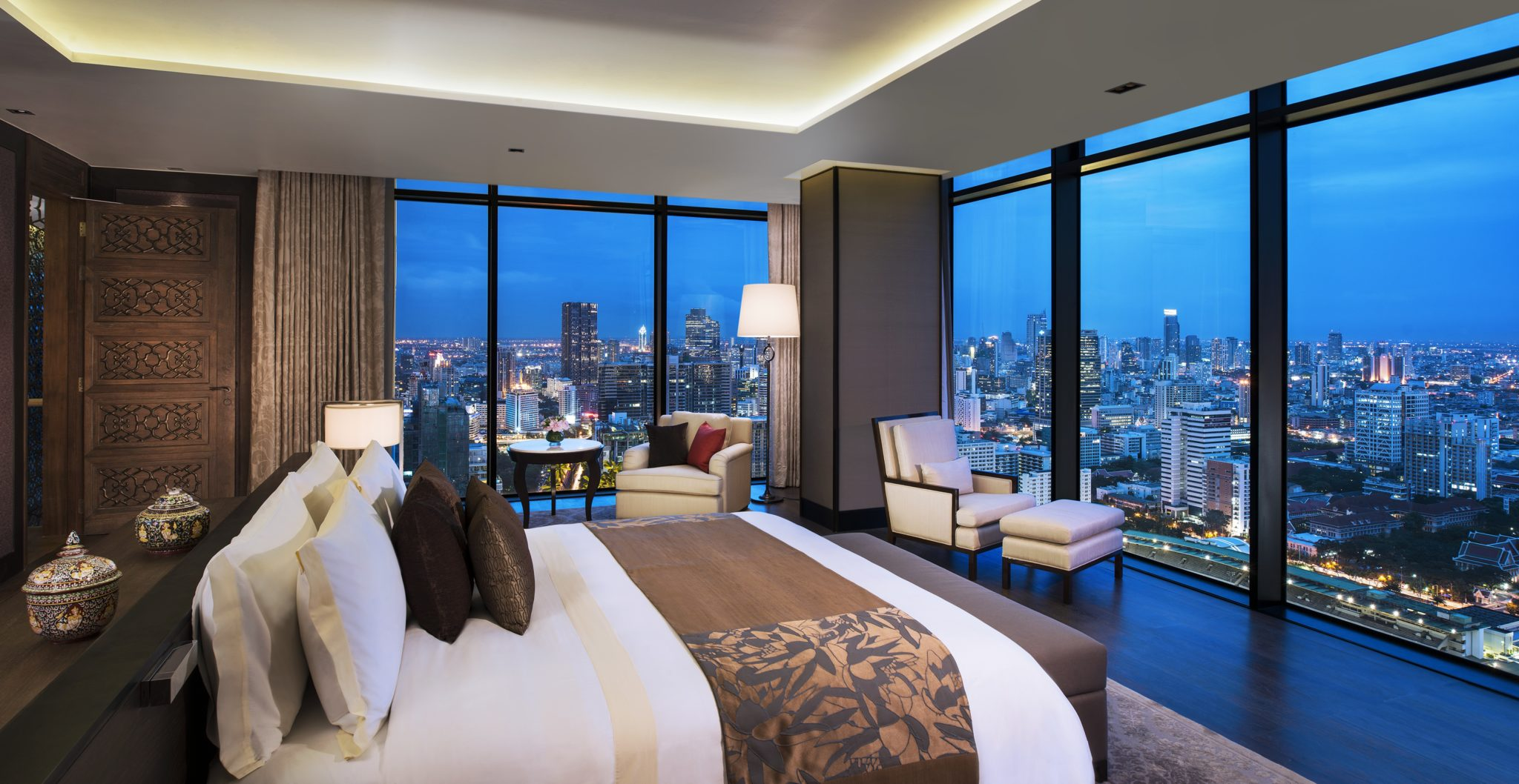Bed room_Penthouse-The-St. Regis-Bangkok