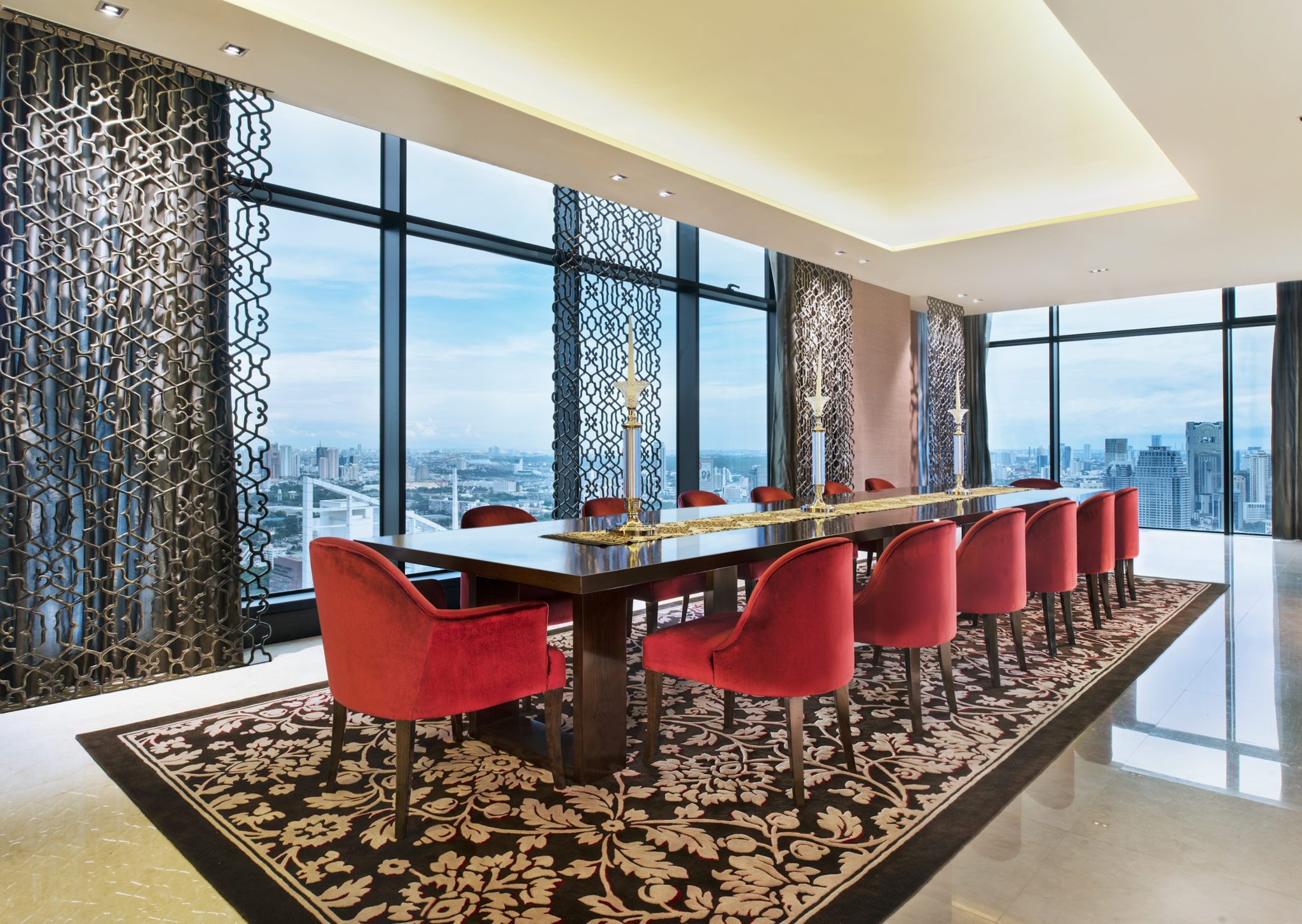 Dining-Room-Penthouse-The-St. Regis-Bangkok