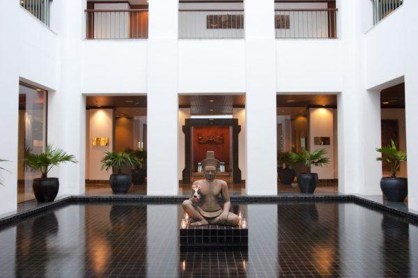 hotel-sukhothai_buddha_pond