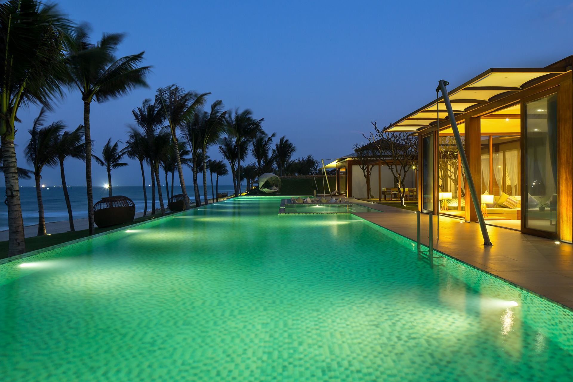 fusion-resort-nha-trang-serenity-holding-swimming-pool ...