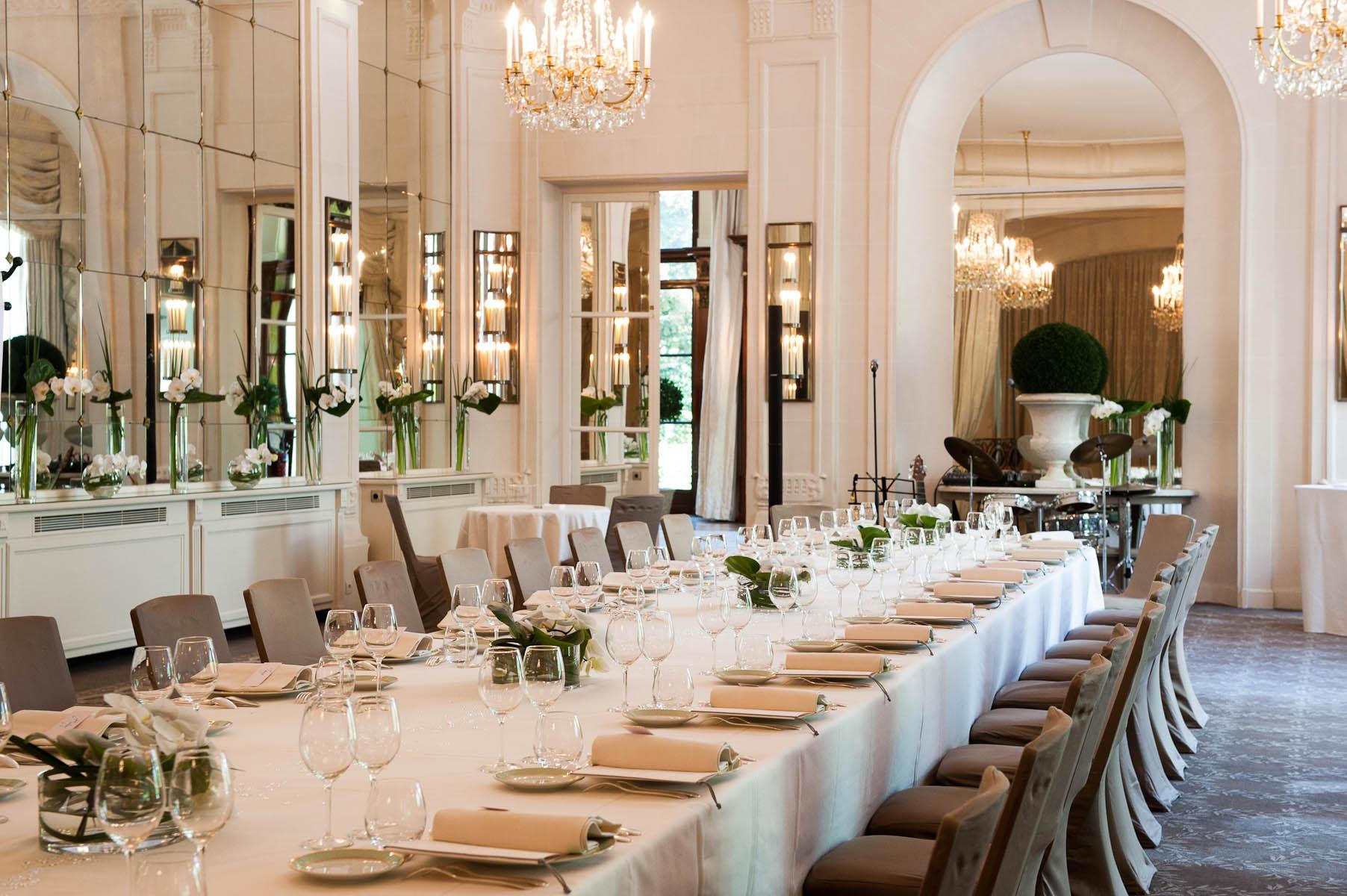 World s most exclusive restaurants luxury lifestyle magazine for Le salon paris