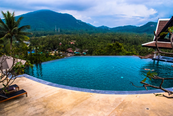 Intercontinental Samui Inifinty pool, mountain view