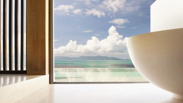 Seaview, pool view, infinity pool, bathtub, white