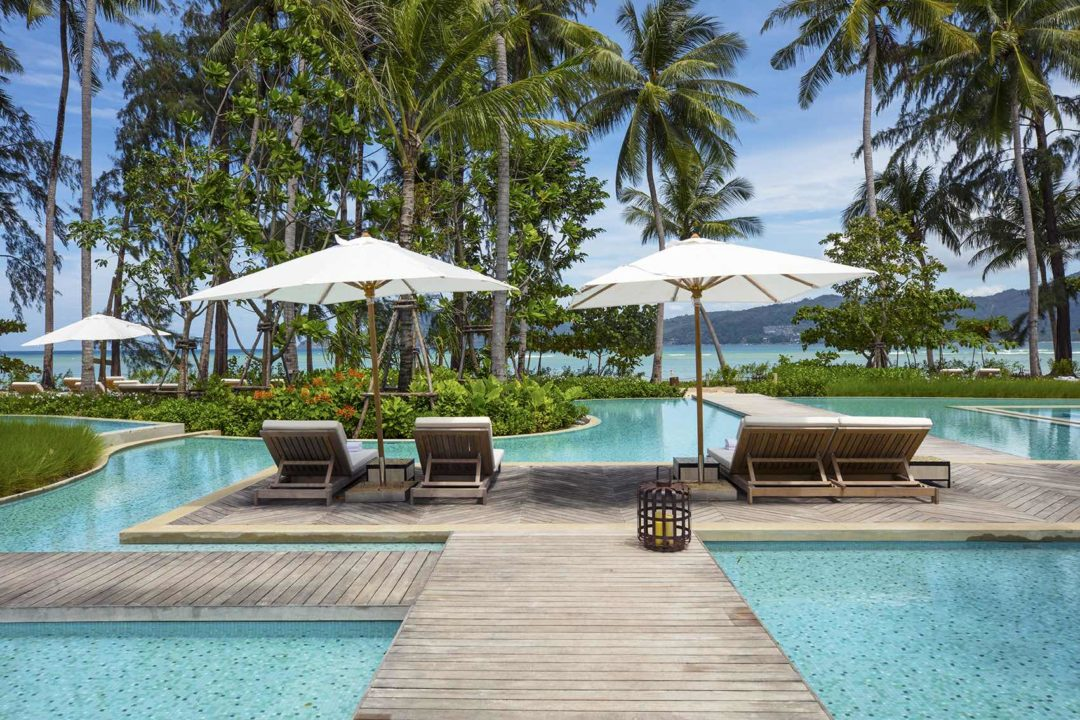 Infinity pool, Sea view, lounge chairs, umbrellas