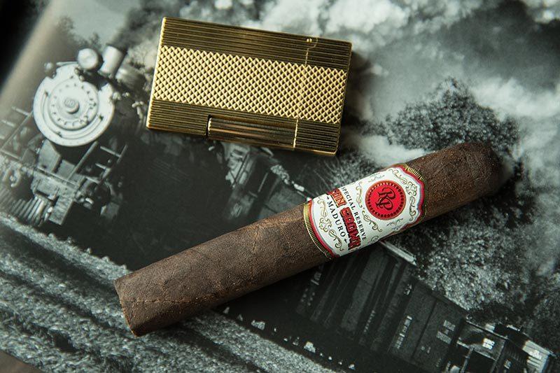 cigar, cuban, cigar bar, cigar lounge